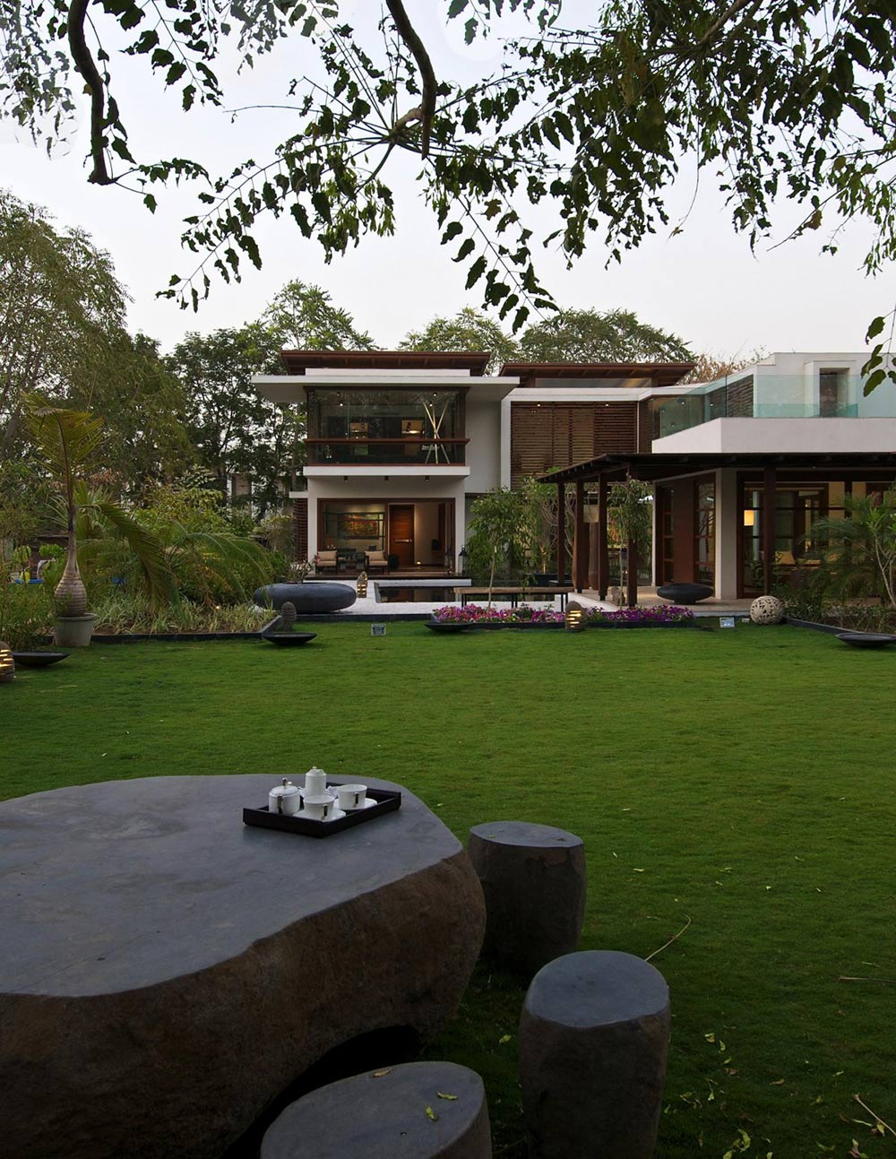 Outdoor Table, Garden, Courtyard House by Hiren Patel Architects