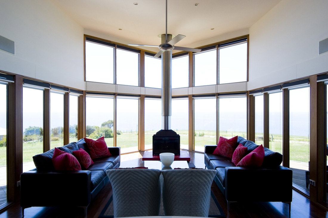 Living Room, Holiday Home with Floating 'Lid' Roof in Emu Bay, Australia