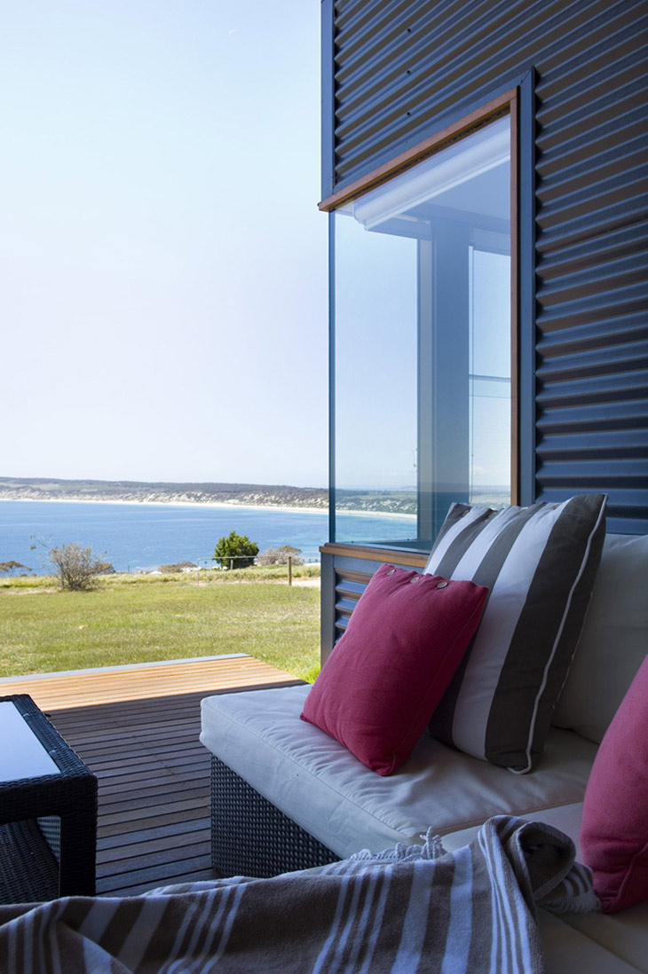 Outdoor Seating, Holiday Home with Floating 'Lid' Roof in Emu Bay, Australia