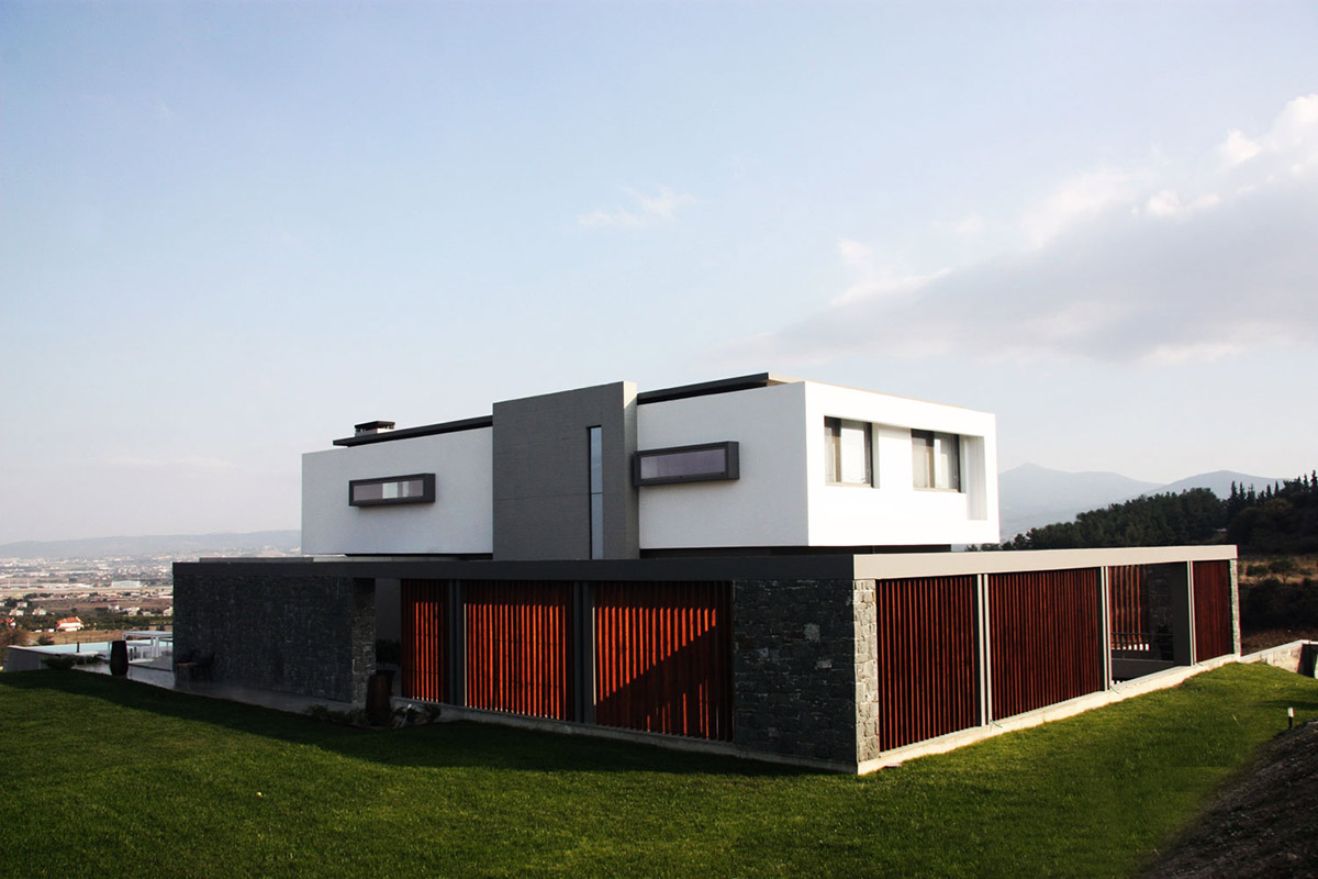 Hilltop Home in Thessaloniki, Greece by Office 25 Architects