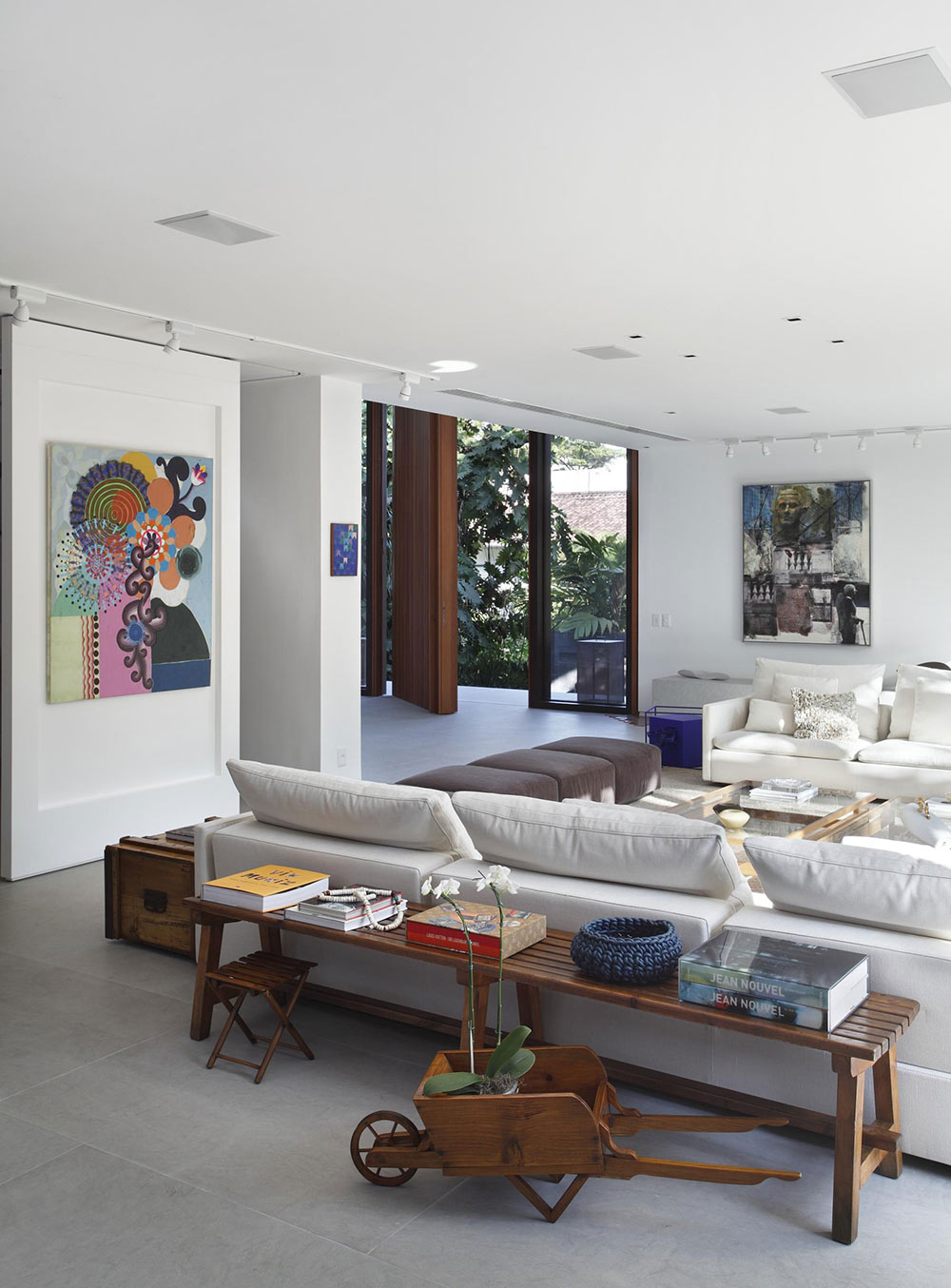Living Room, Colonial Style House Renovation in Rio de Janeiro