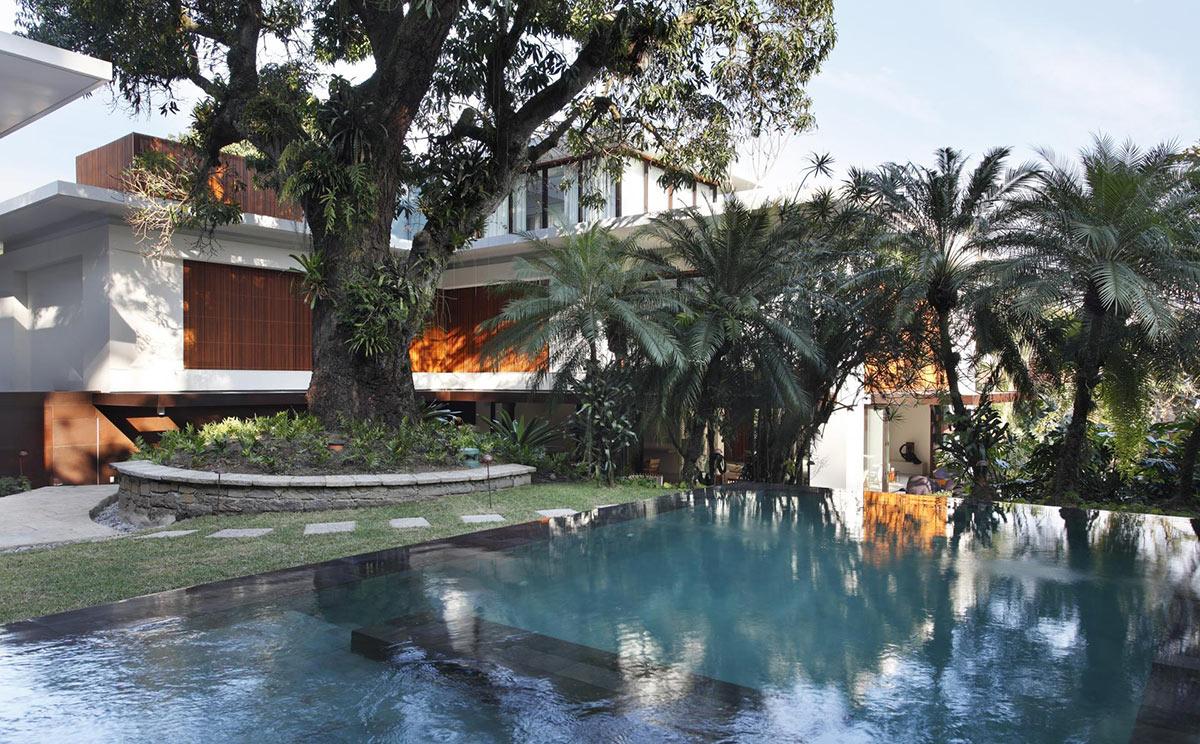 Colonial Style House Renovation in Rio de Janeiro