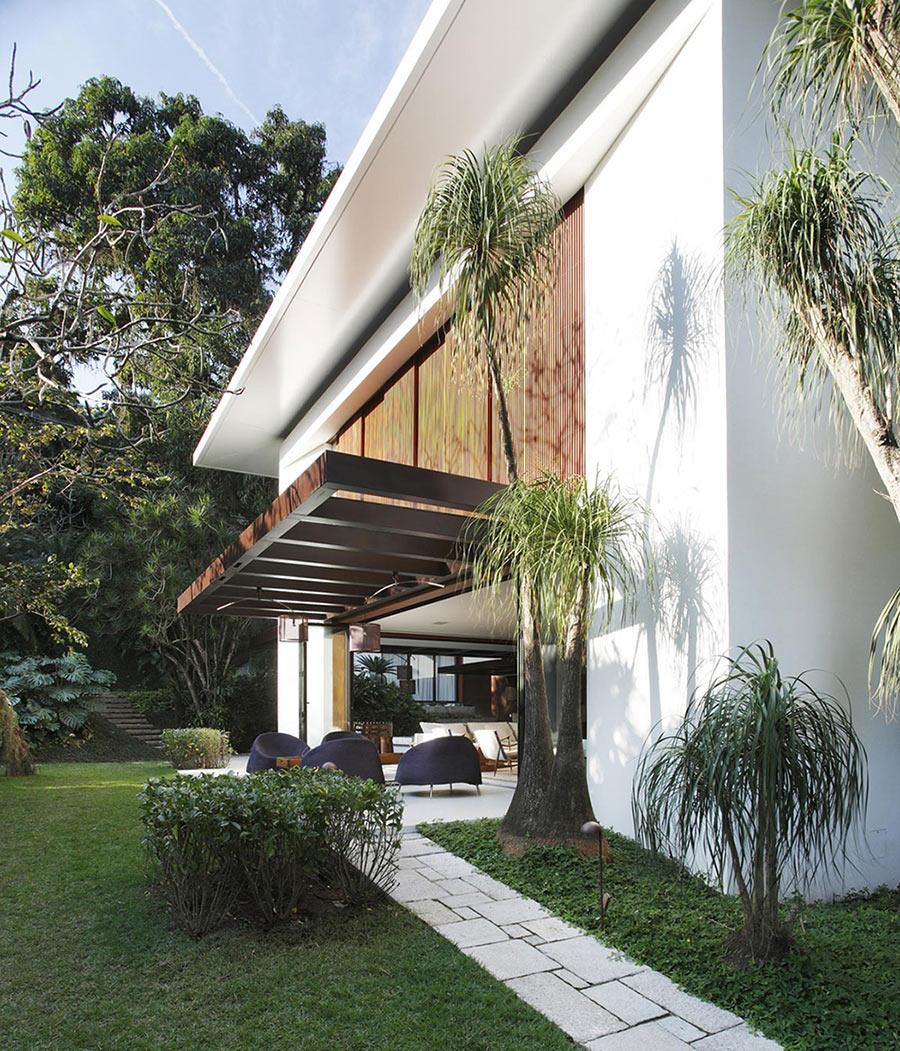 Pergola, Terrace, Colonial Style House Renovation in Rio de Janeiro