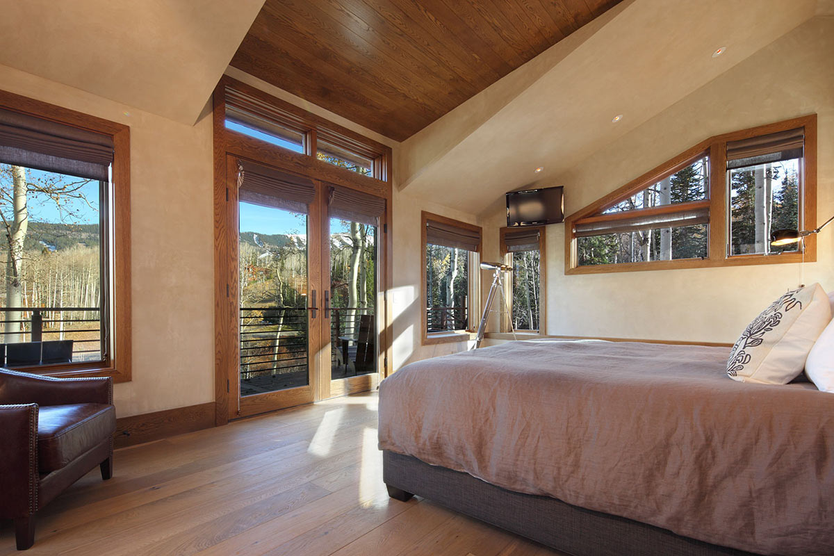 Bedroom Balcony Modern Log Cabin In Telluride Colorado
