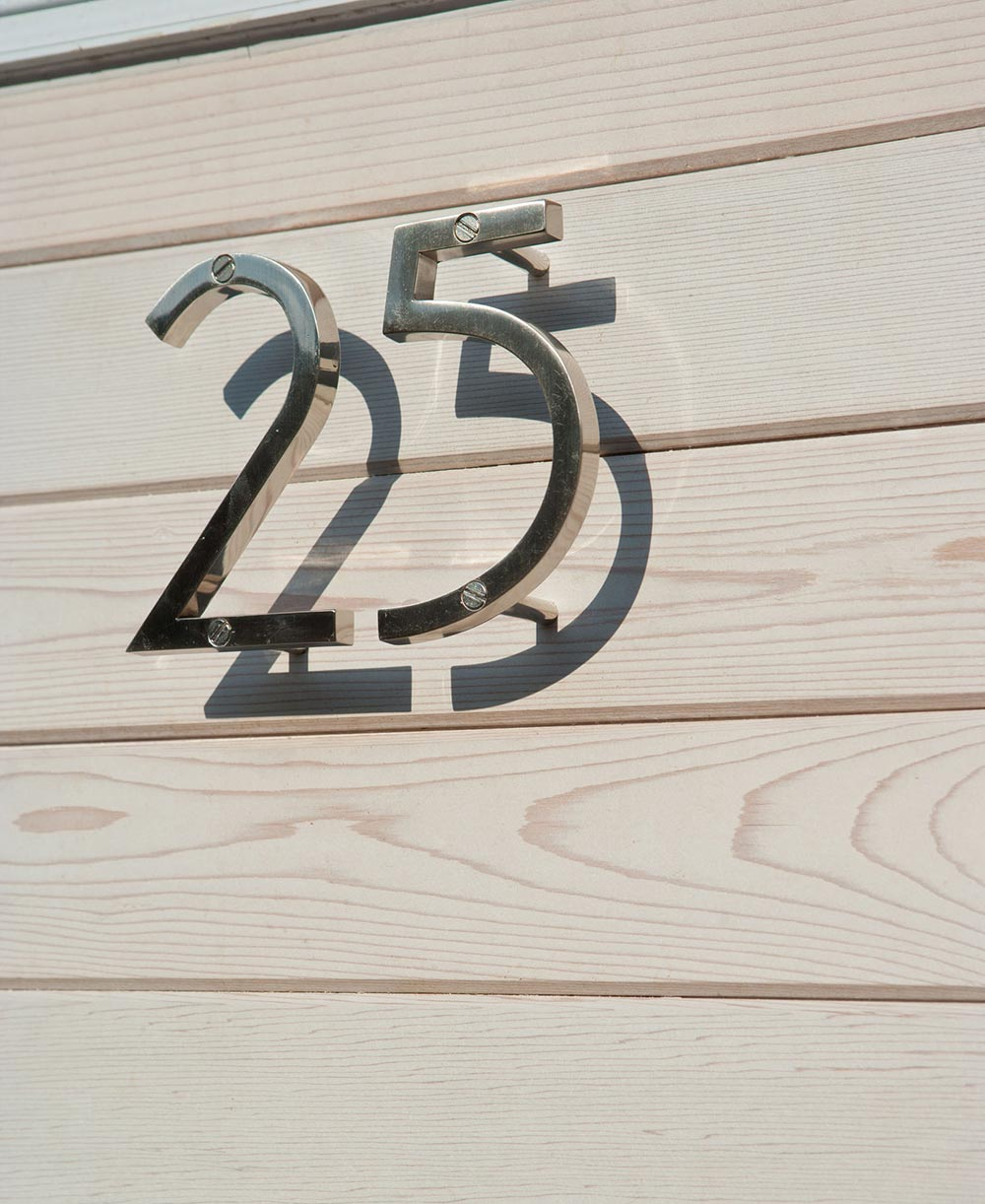 Modern house numbers canada modern house for Modern house numbers canada