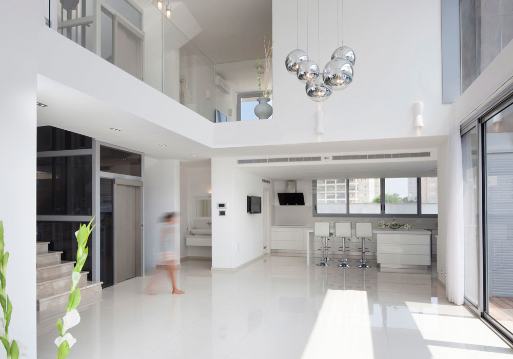 Kitchen, Breakfast Table, Intriguing Contemporary Villa in Ashdod, Israel
