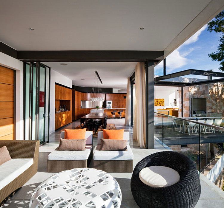 Balcony, Glass Fence, River House in Sydney, Australia