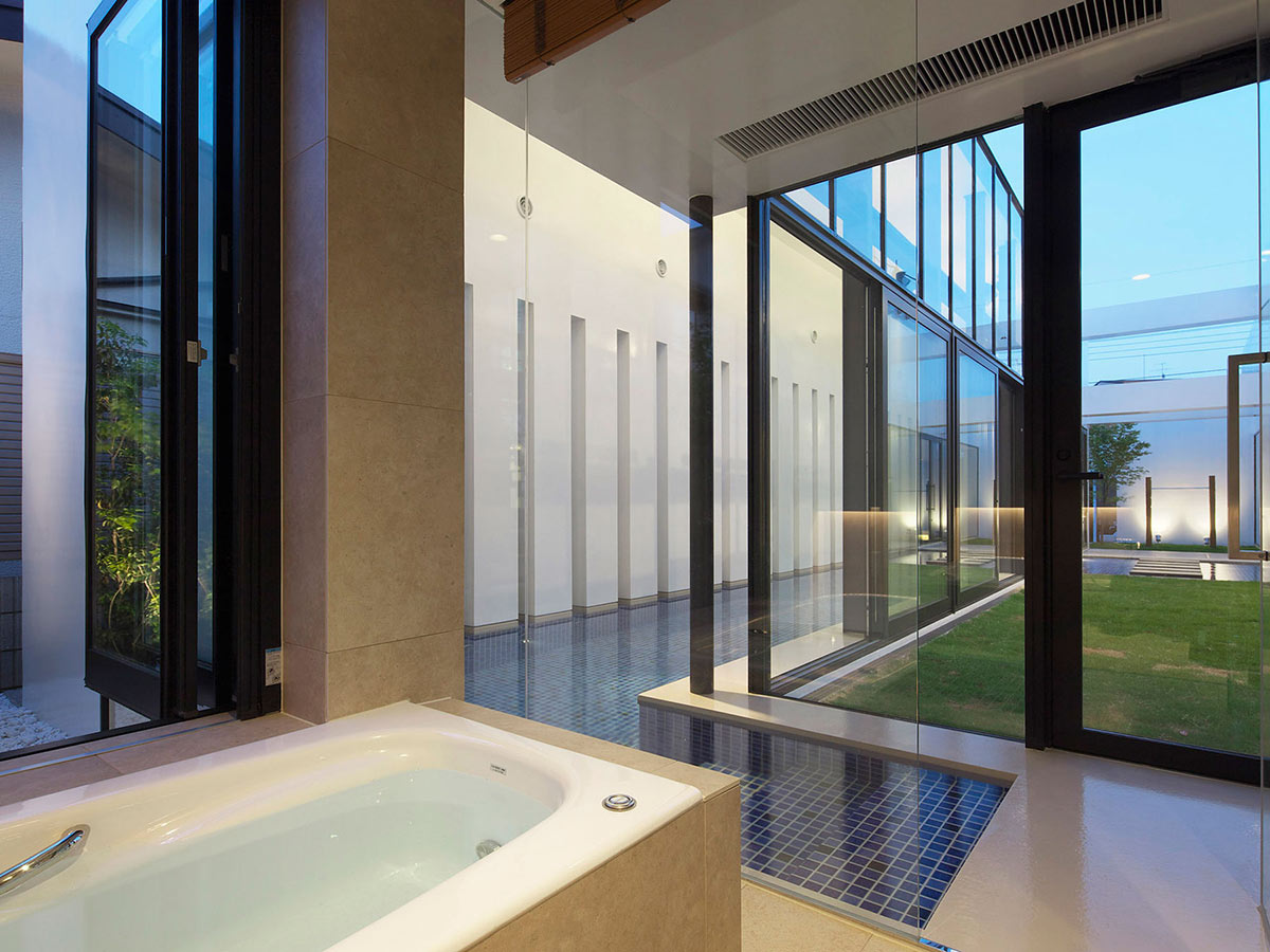 Bathroom, Swimming Pool, Bright Contemporary Home in Tokyo, Japan