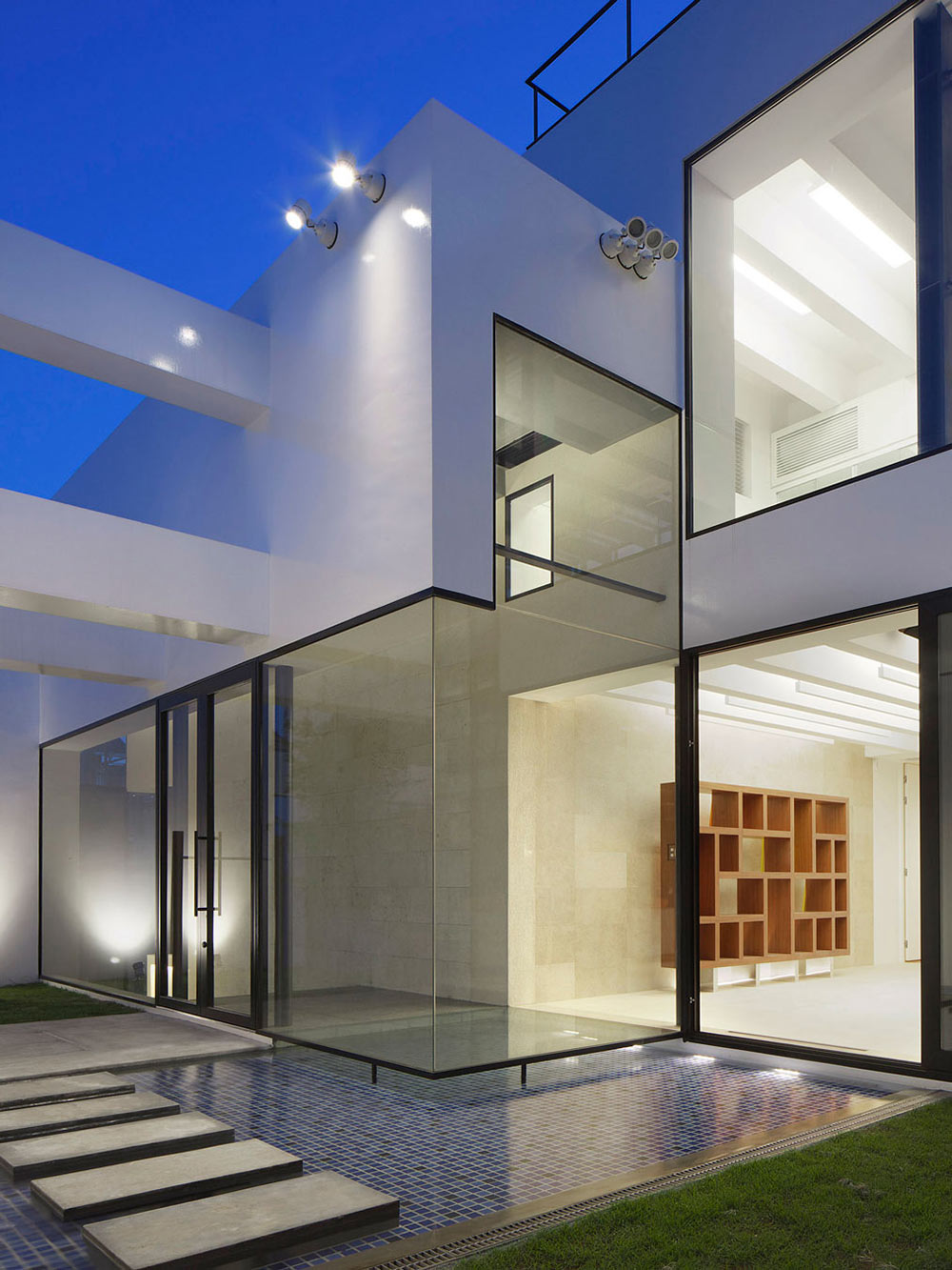 Water Feature, Glass Doors, Bright Contemporary Home in Tokyo, Japan