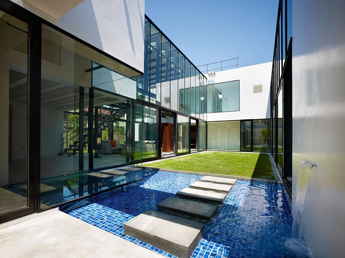 Bright Contemporary Home in Tokyo, Japan