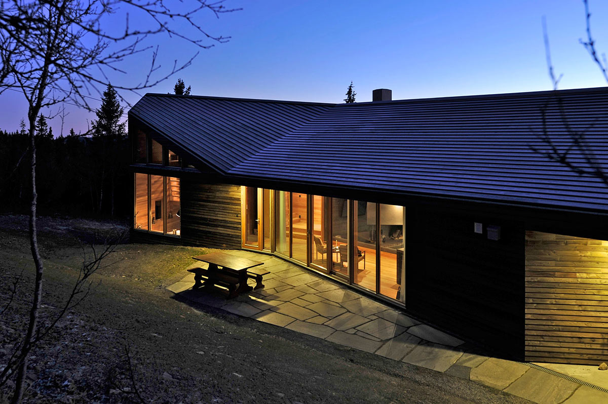 Evening Lights, Ski Home in Kvitfjell, Norway: Twisted Cabin