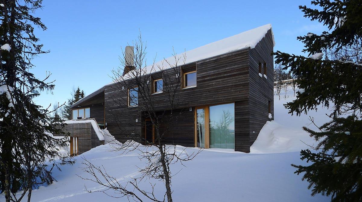 Snow, Ski Home in Kvitfjell, Norway: Twisted Cabin