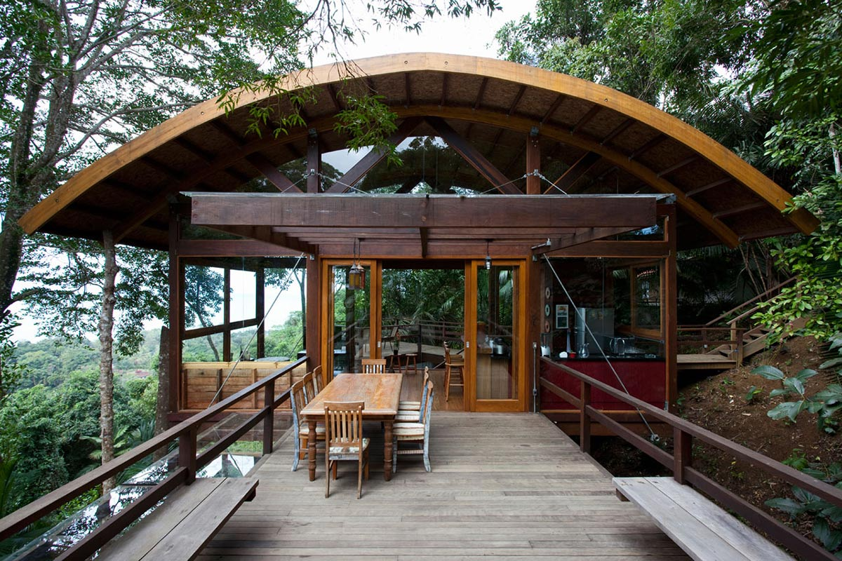 Deck, Outdoor Living, Outstanding Sustainable Home in Praia do Felix, Brazil