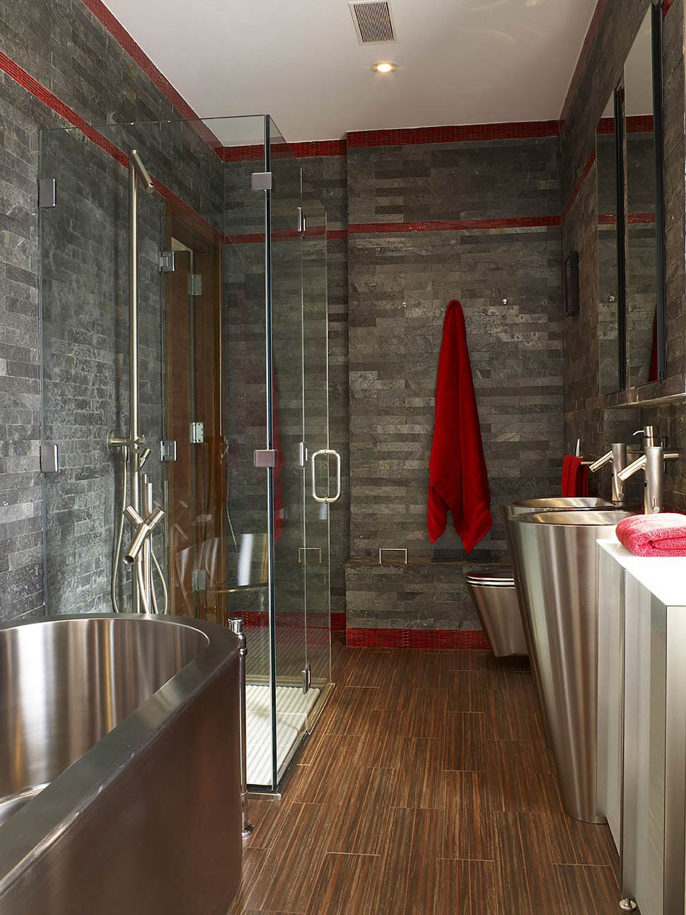 Slate bathroom glass shower townhouse renovation in for Ardoise interieur