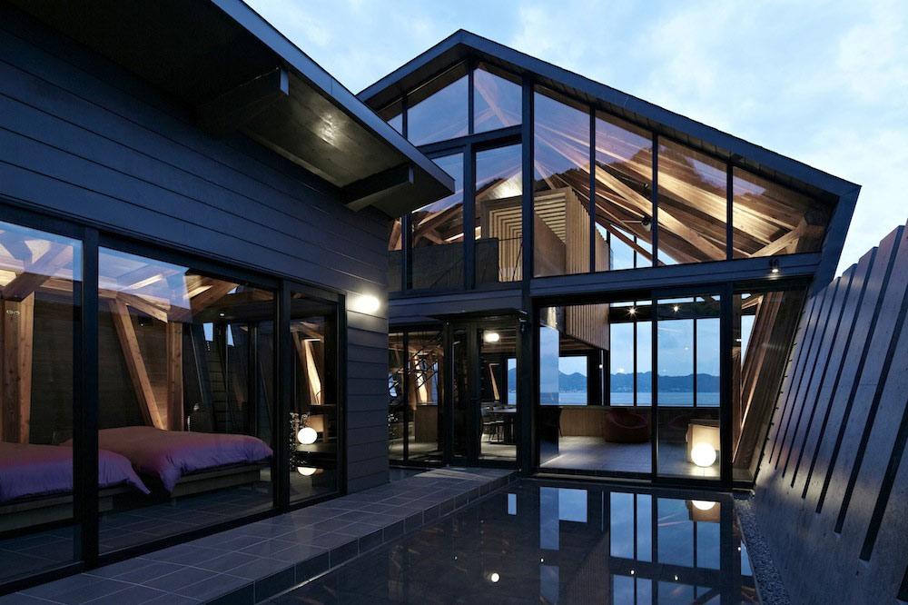 Courtyard, Water Feature, Villa SSK Overlooking Tokyo Bay in Chiba, Japan