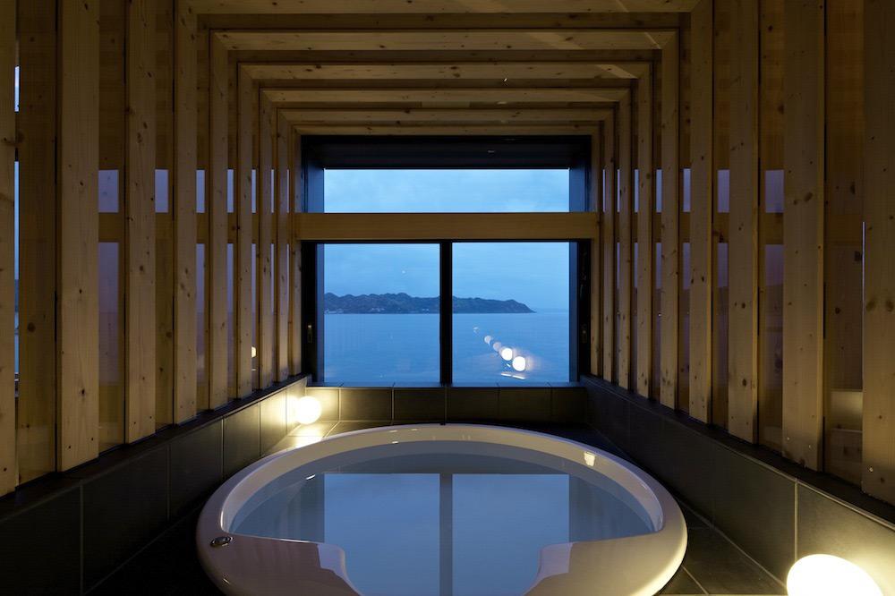 Round Bath, Ocean Views, Villa SSK Overlooking Tokyo Bay in Chiba, Japan