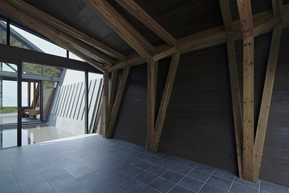 Tiled Floor, Wood Beams, Villa SSK Overlooking Tokyo Bay in Chiba, Japan