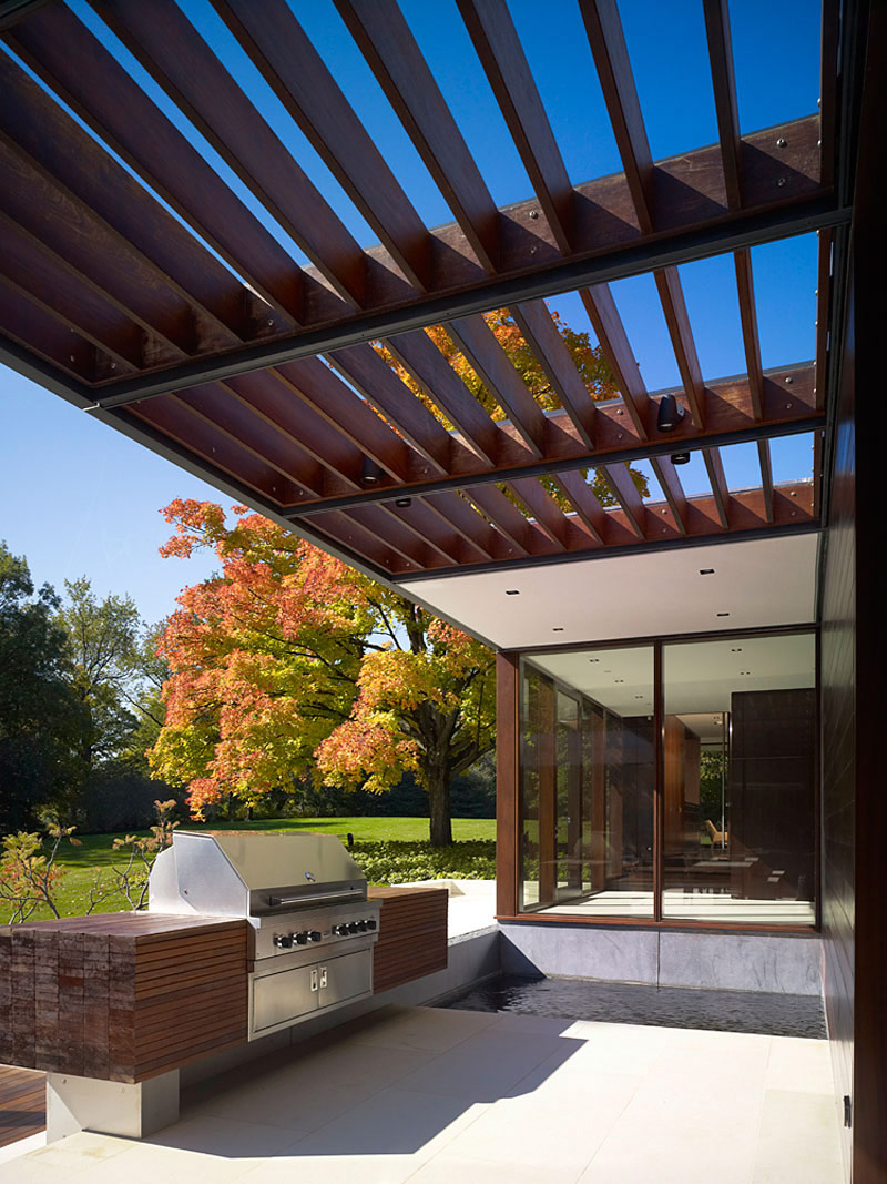 Pergola, Outdoor Kitchen, Weekend Residence in Illinois, USA