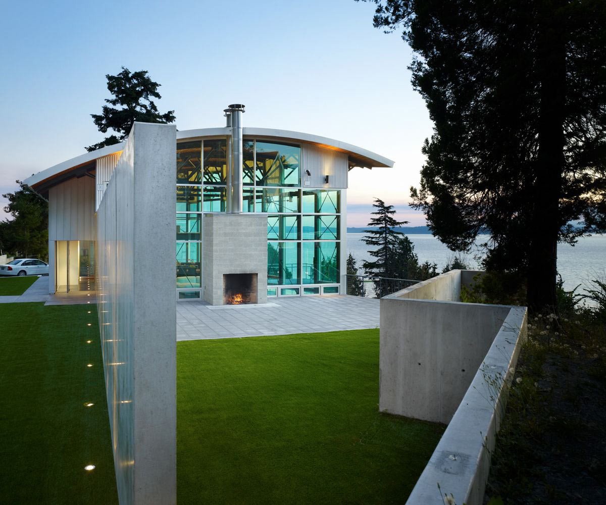 Garden, Lighting, West Seattle Residence with Spectacular Inlet Views