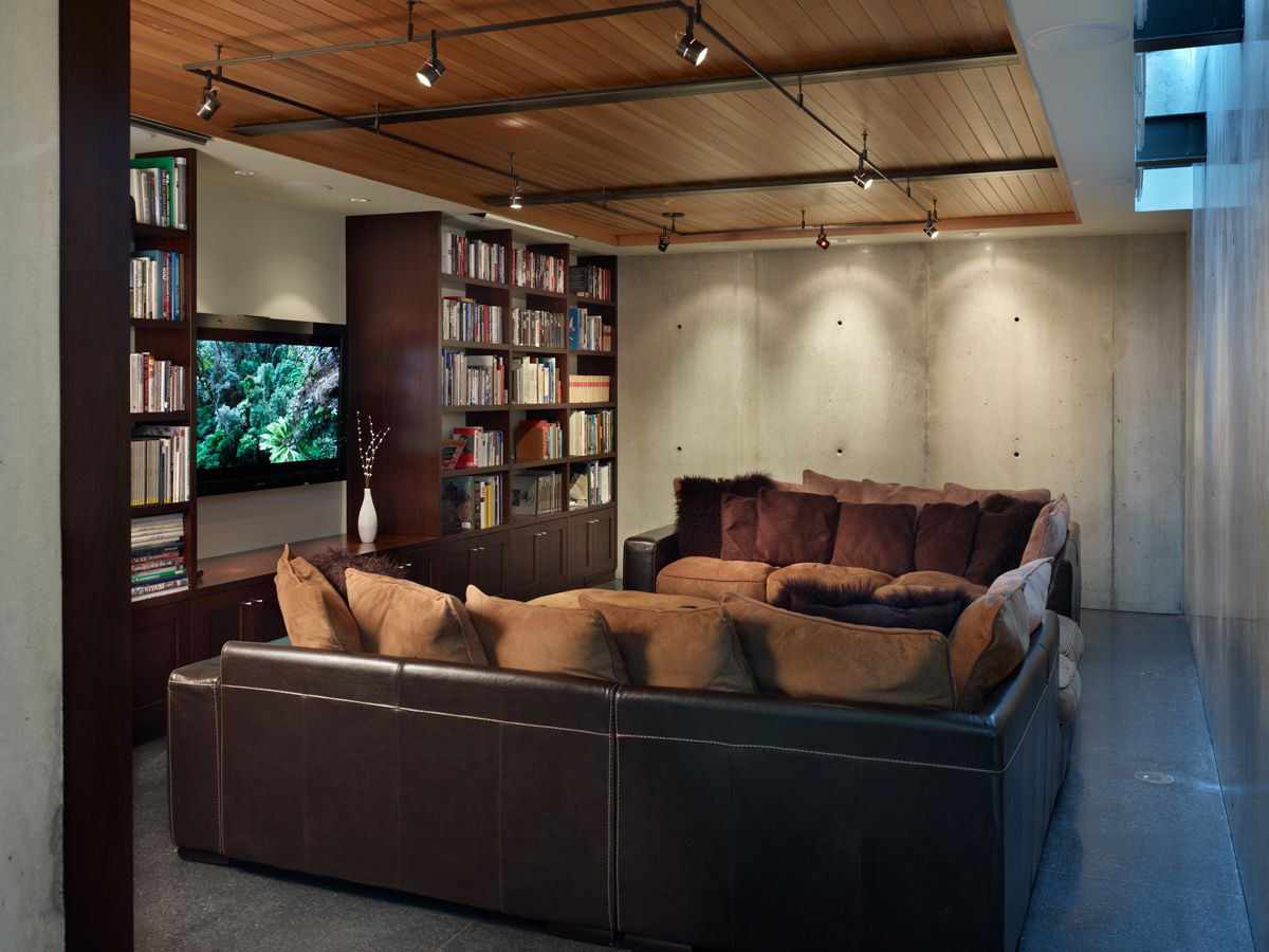 Living Space, Brown Leather Sofas, Cushions, West Seattle Residence with Spectacular Inlet Views