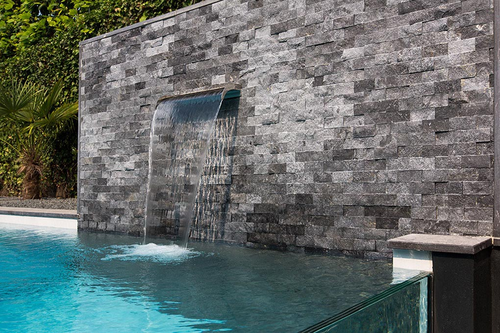 Waterfall, Aquatic Backyard in The Netherlands by Centric Design Group