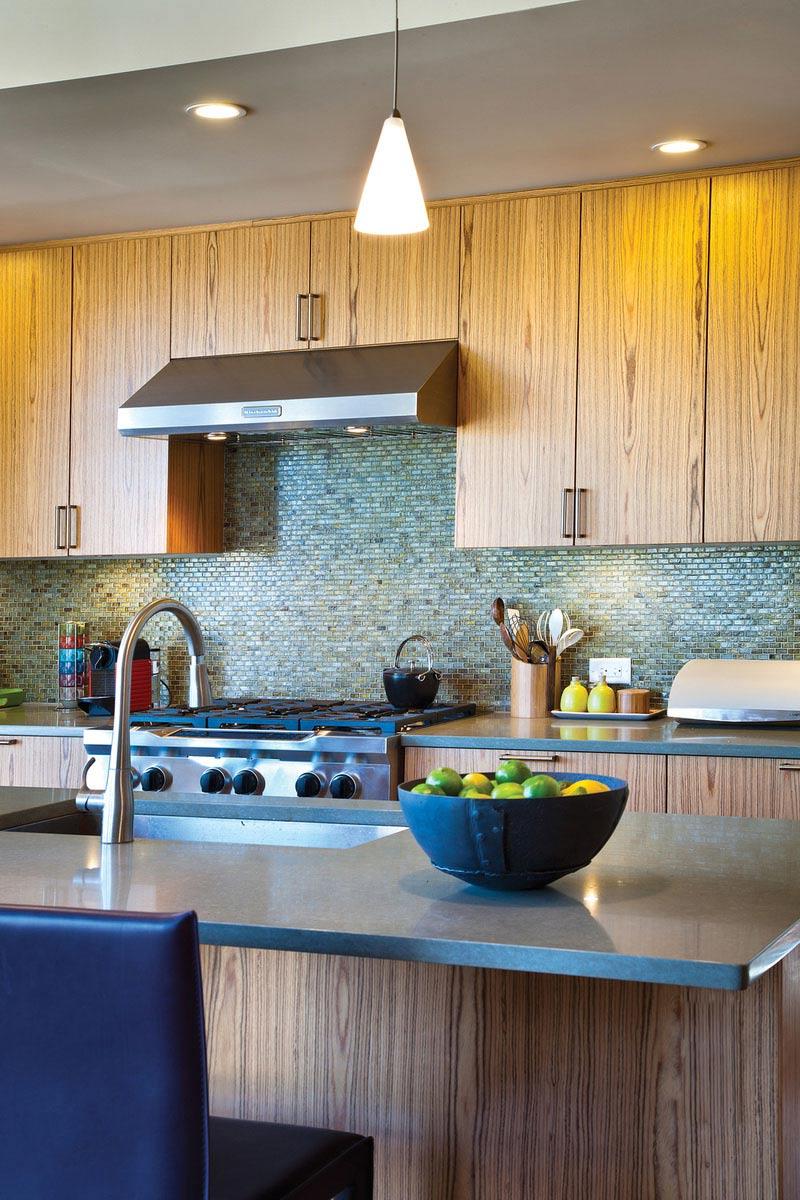 Kitchen, The Breezehouse in Healdsburg, California by Blu Homes