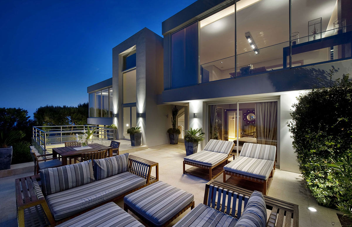 Villa on the cap ferrat c te d 39 azur france for Terrace lighting