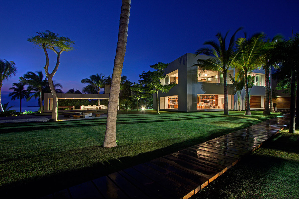 Evening, Lighting, Casa La Punta in Punta Mita, Mexico by Elías Rizo Arquitectos