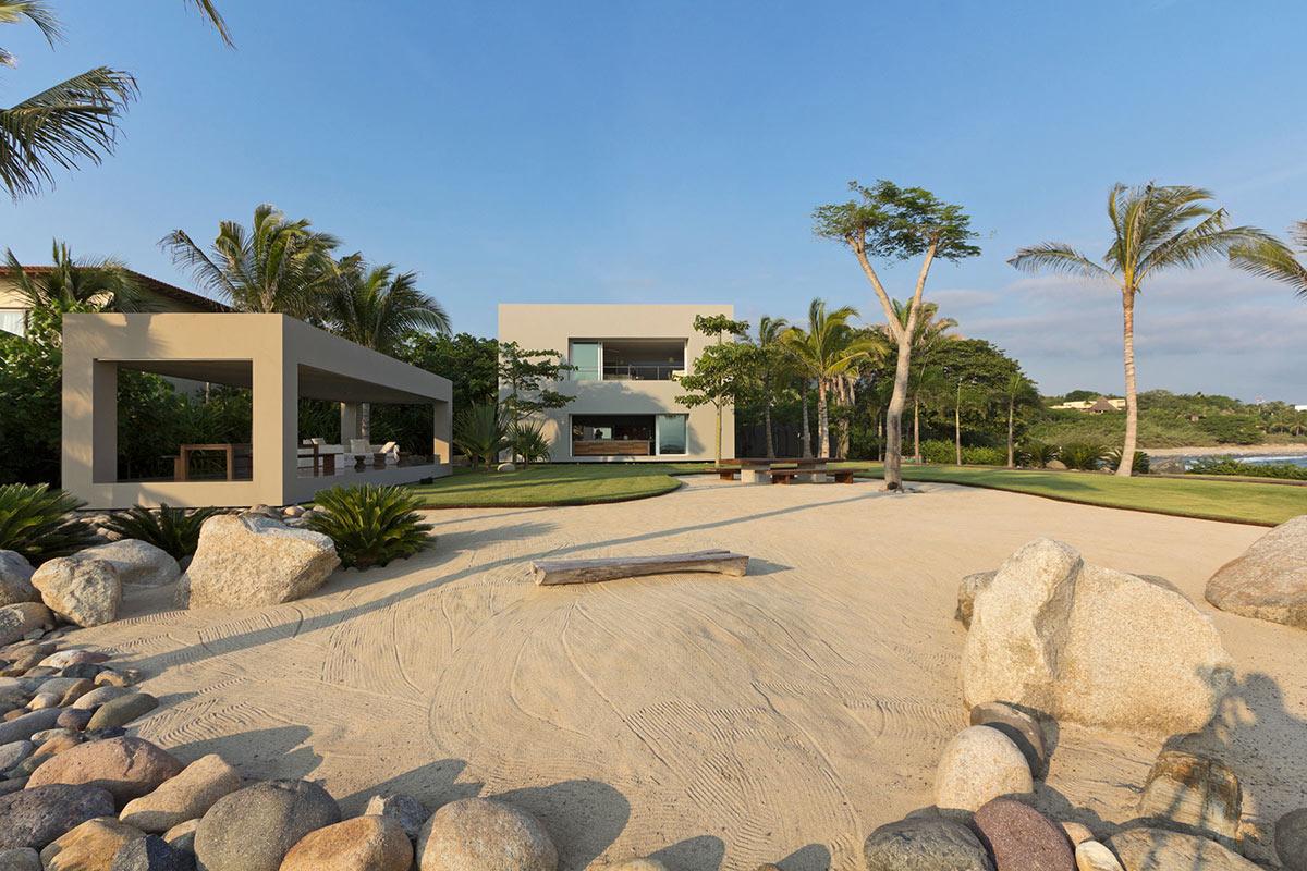 Sand, Garden, Casa La Punta in Punta Mita, Mexico by Elías Rizo Arquitectos