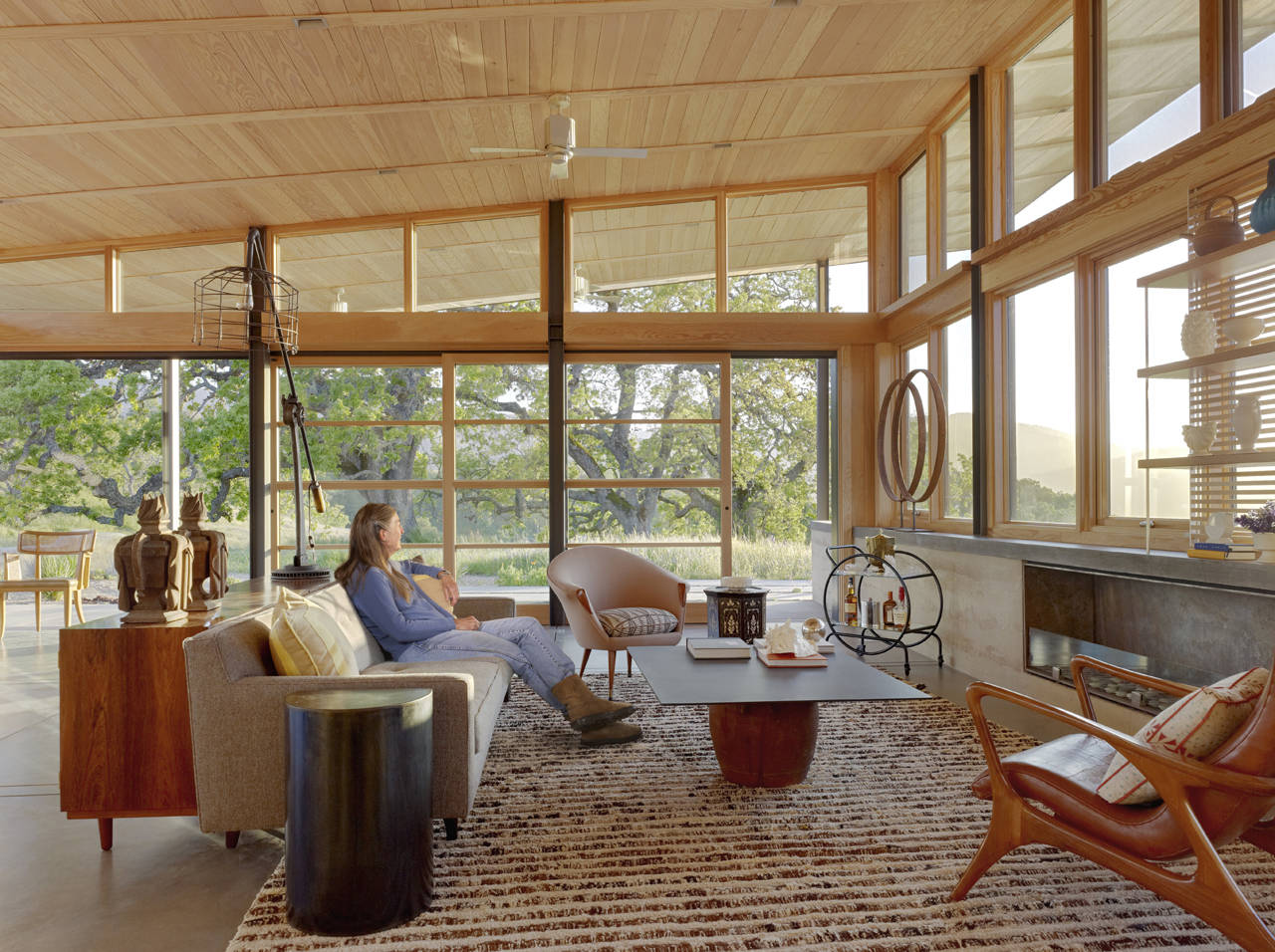 Contemporary Living Space, Caterpillar House in Carmel, California by Feldman Architecture