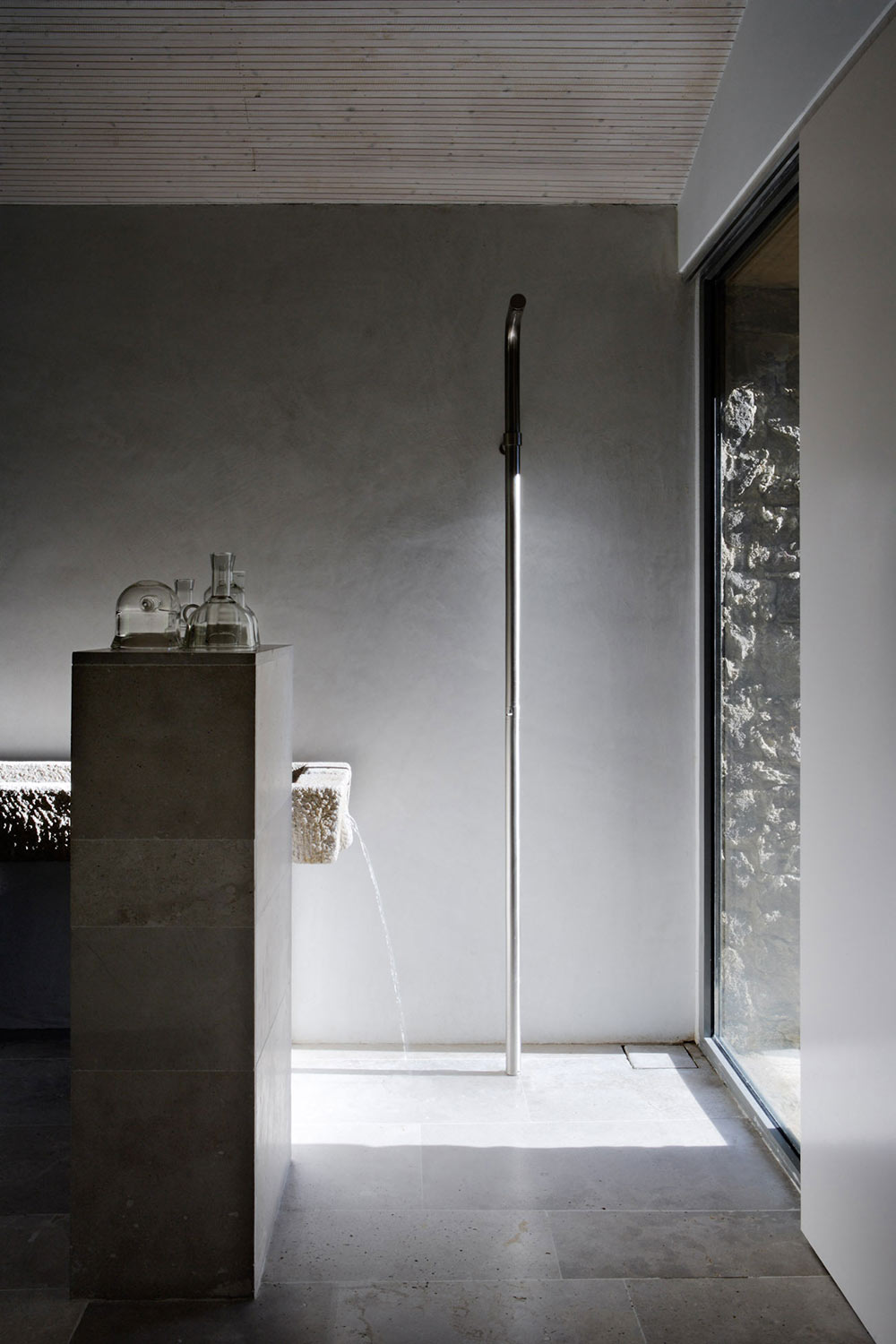 Bathroom, Shower, Finca en Extremadura in Cáceres, Spain by ÁBATON
