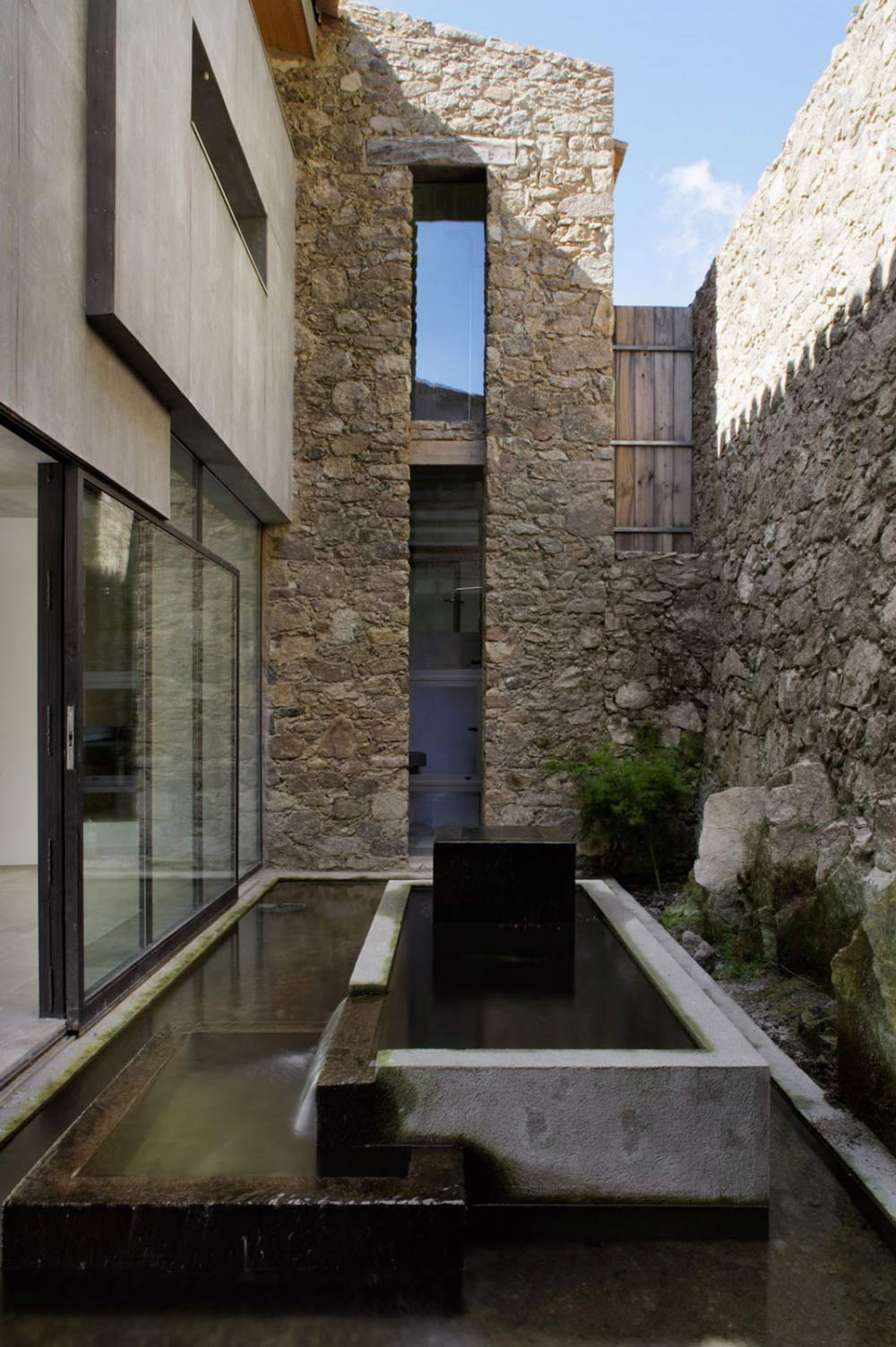 Water Feature, Finca en Extremadura in Cáceres, Spain by ÁBATON
