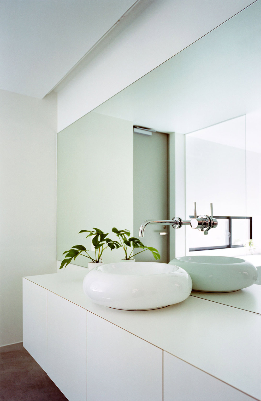 Bathroom, Sink, Outotunoie Fujieda, Japan by mA-style Architects