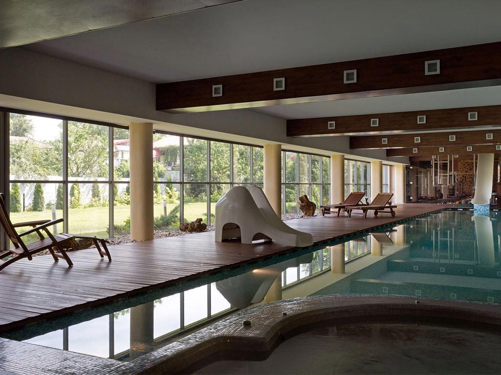 Jacuzzi, Indoor Pool, Slide, House in Dnepropetrovsk, Ukraine by Yakusha Design