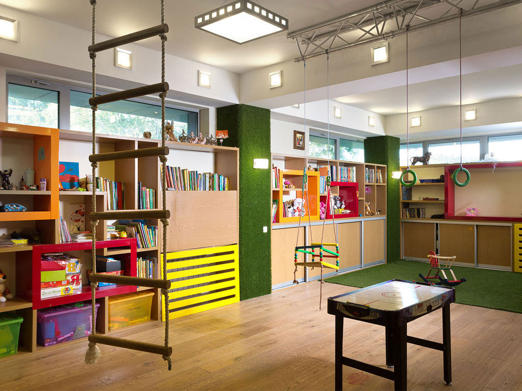Play Room, Ladder, Swings, House in Dnepropetrovsk, Ukraine by Yakusha Design