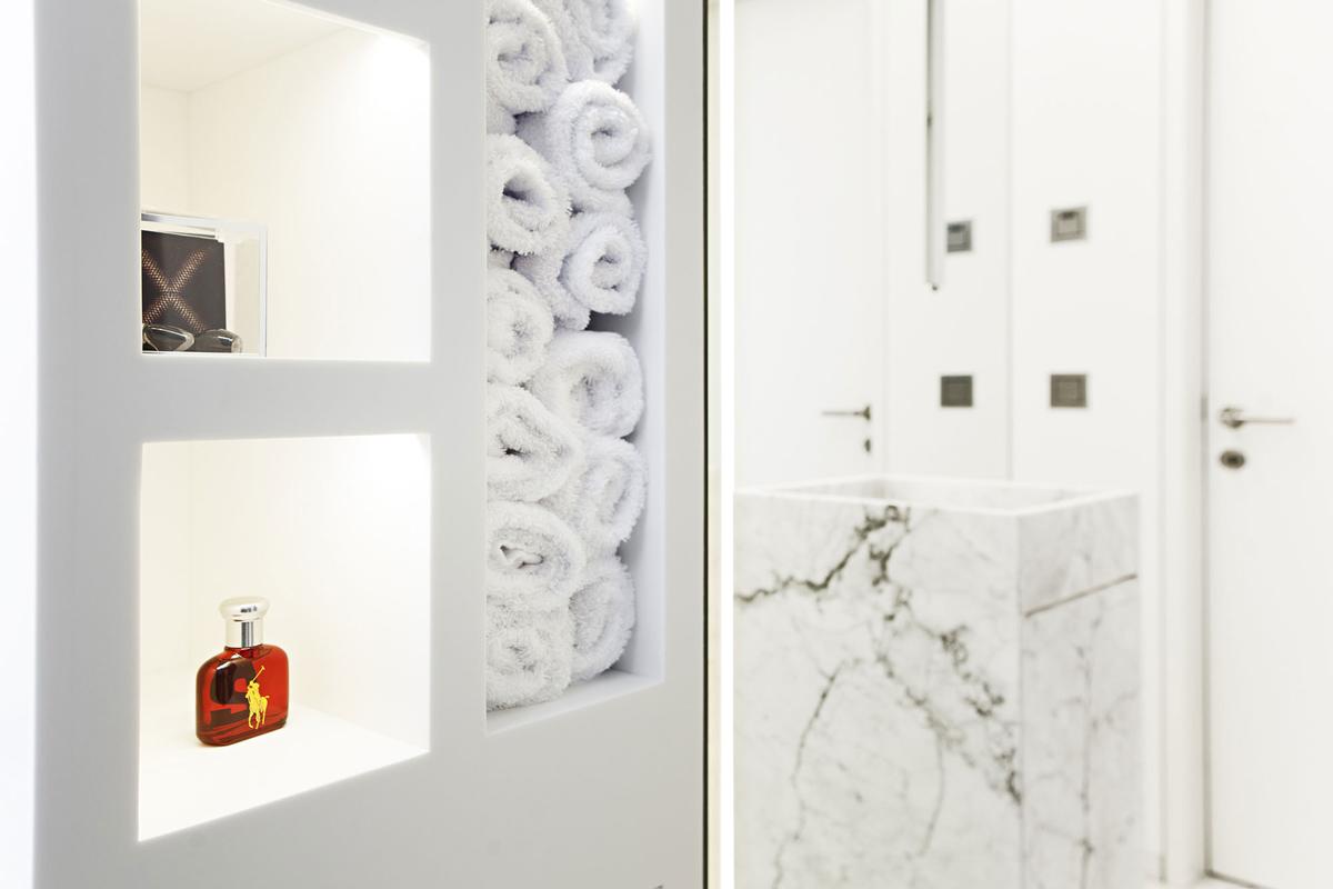 Bathroom, House M in Meran, Italy by monovolume architecture + design