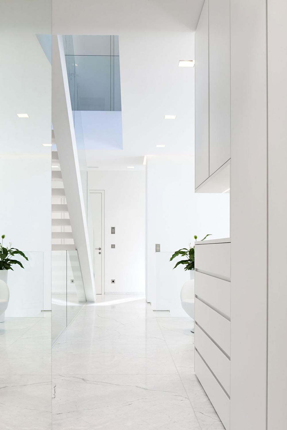 Bright Interior, House M in Meran, Italy by monovolume architecture + design