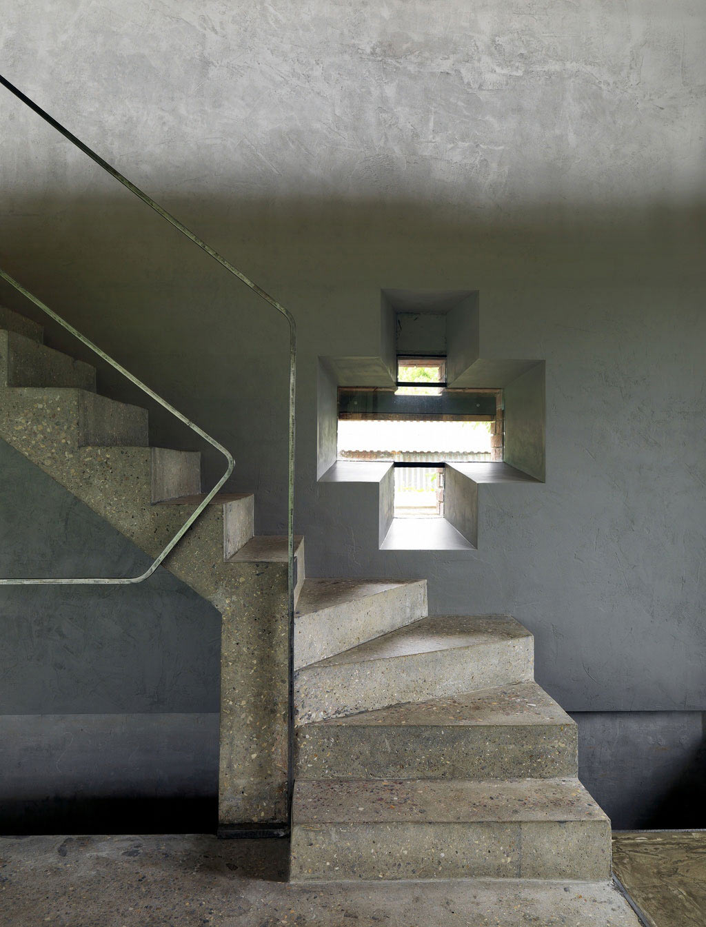 Concrete Stairs, House of Poshvykinyh Architects Near Moscow