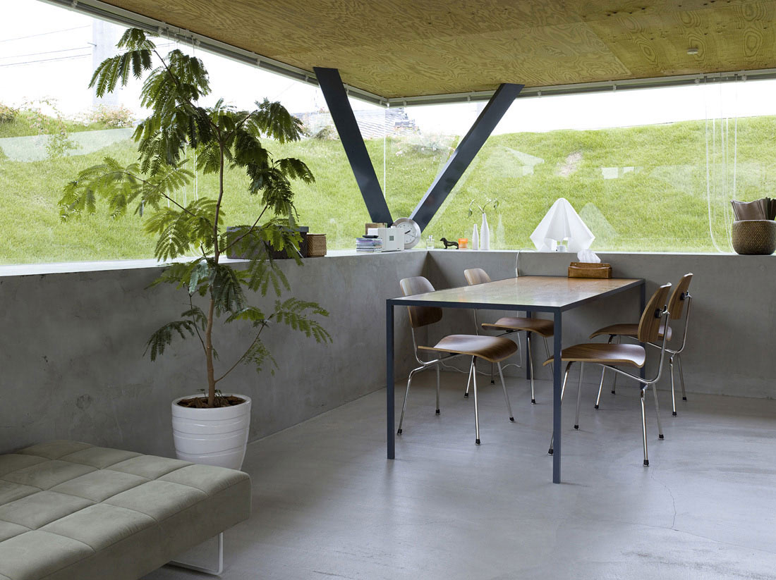 Dining Space, House in Saijo, Japan by Suppose Design Office