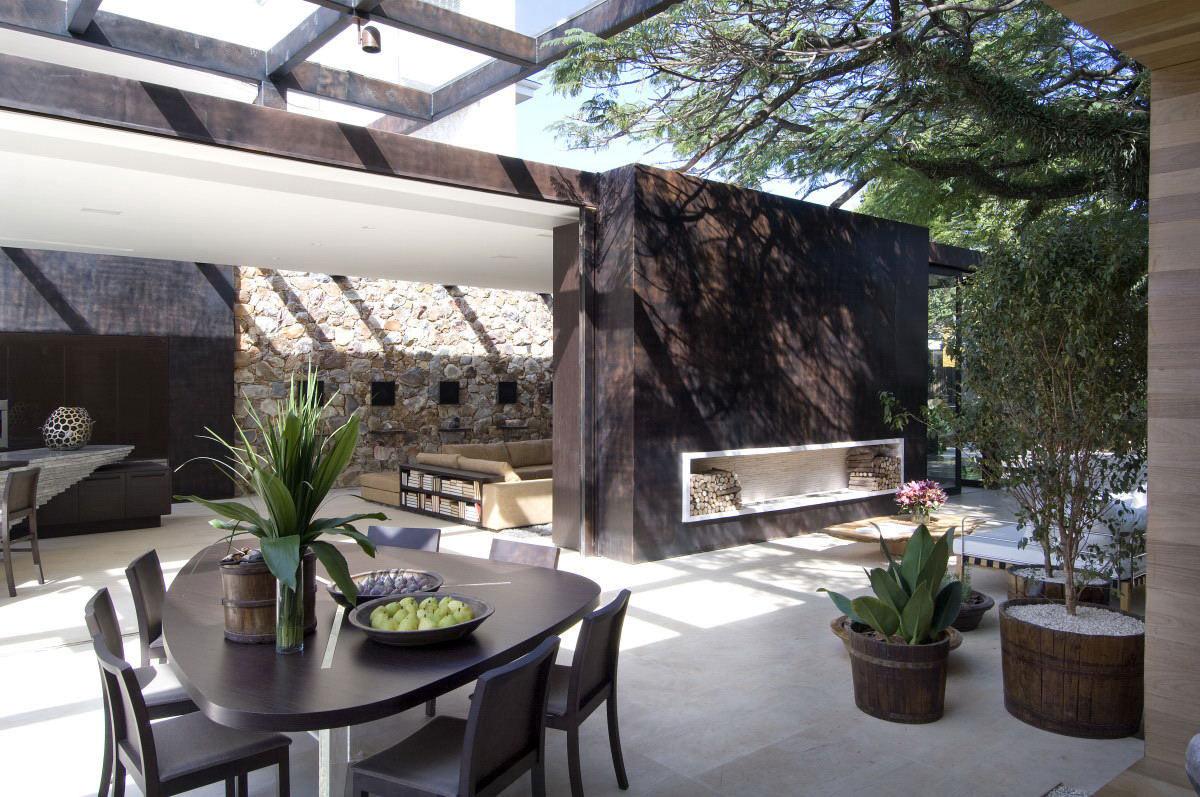 Wood Store, Dining Table, Glass Roof, Loft 24-7 in São Paulo, Brazil by Fernanda Marques Arquiteto Asociados