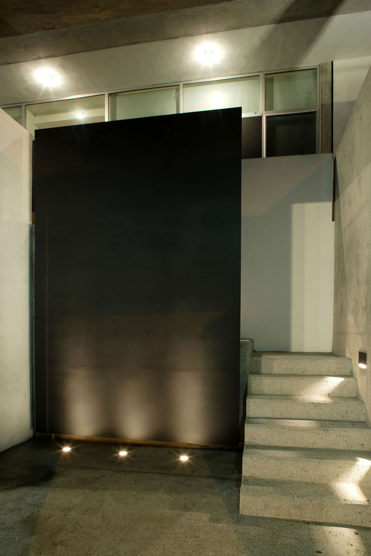 Concrete Steps, Residencia MB2 in Nuevo León, Mexico by LeNoir & Asoc.