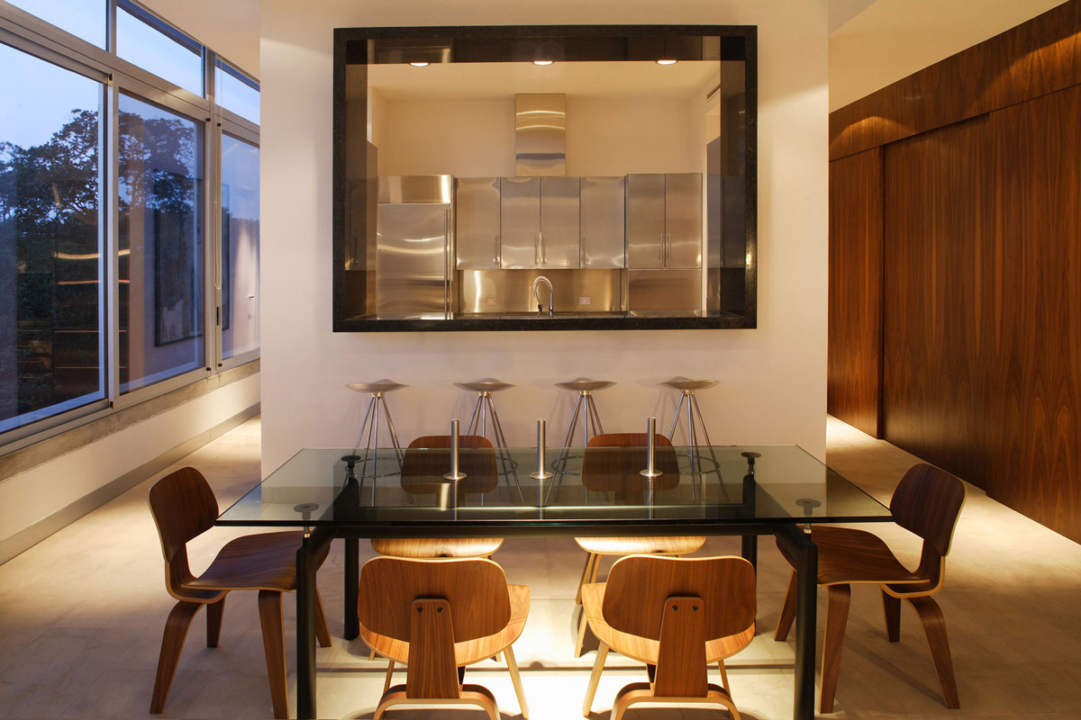 Kitchen, Dining Table, Residencia MB2 in Nuevo León, Mexico by LeNoir & Asoc.