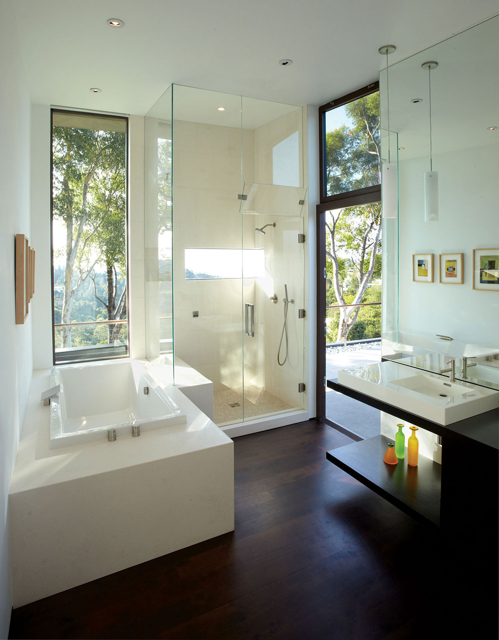 Bathroom, Mandeville Canyon Residence in Los Angeles by Griffin Enright Architects
