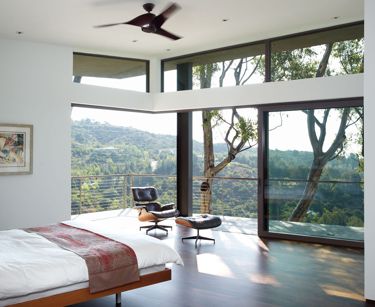 Bedroom, Mandeville Canyon Residence in Los Angeles by Griffin Enright Architects