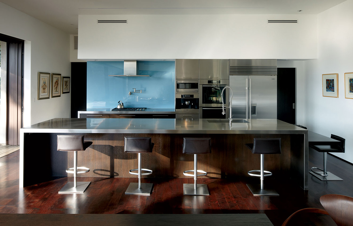 Kitchen, Metal Island / Breakfast Bar, Mandeville Canyon Residence in Los Angeles by Griffin Enright Architects