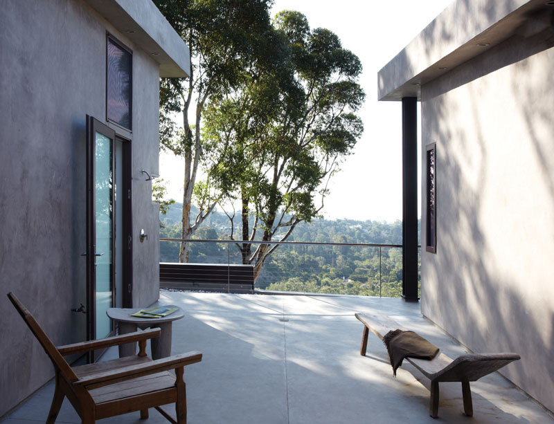 Outdoor Living, Mandeville Canyon Residence in Los Angeles by Griffin Enright Architects