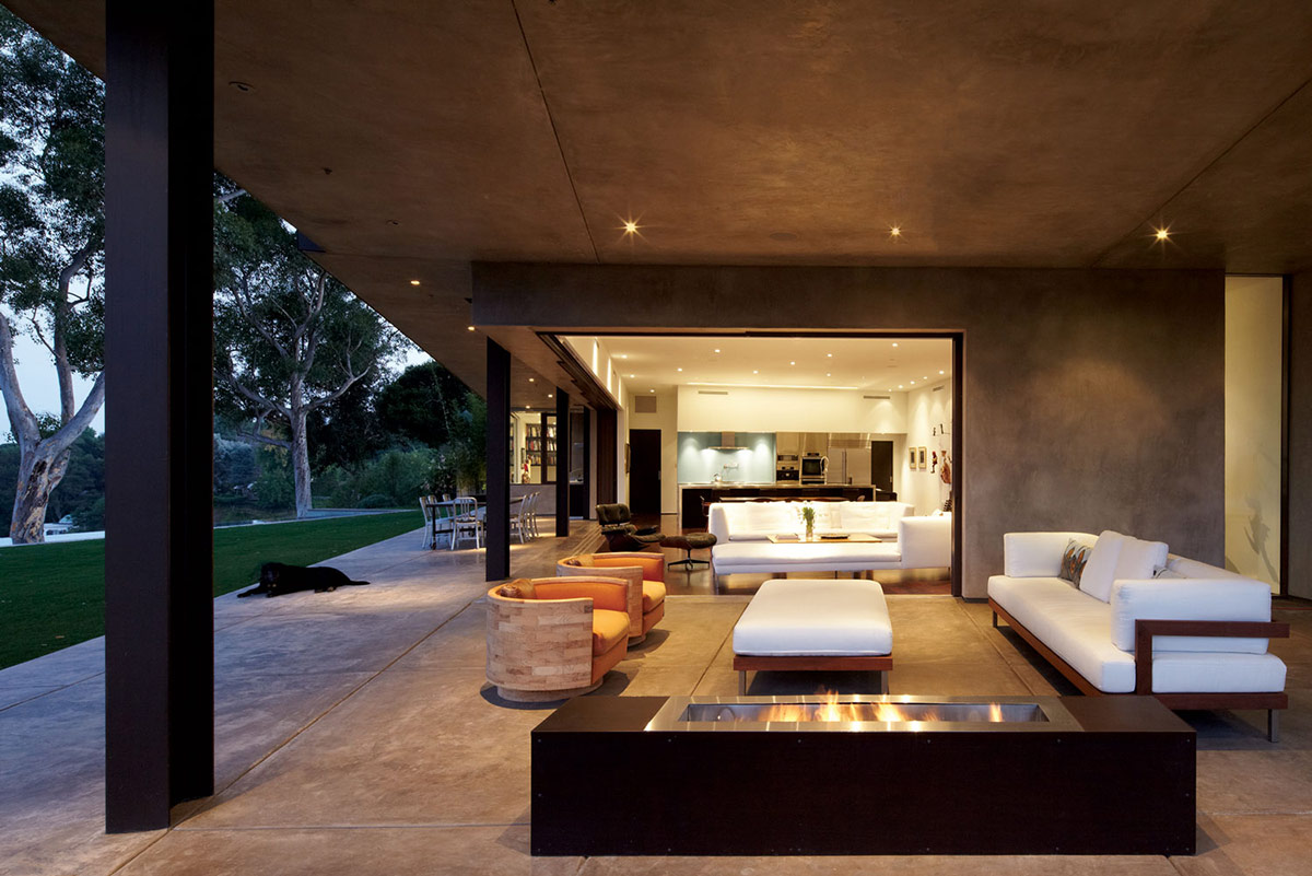 Outdoor Sofa, Modern Fireplace, Mandeville Canyon Residence in Los Angeles by Griffin Enright Architects