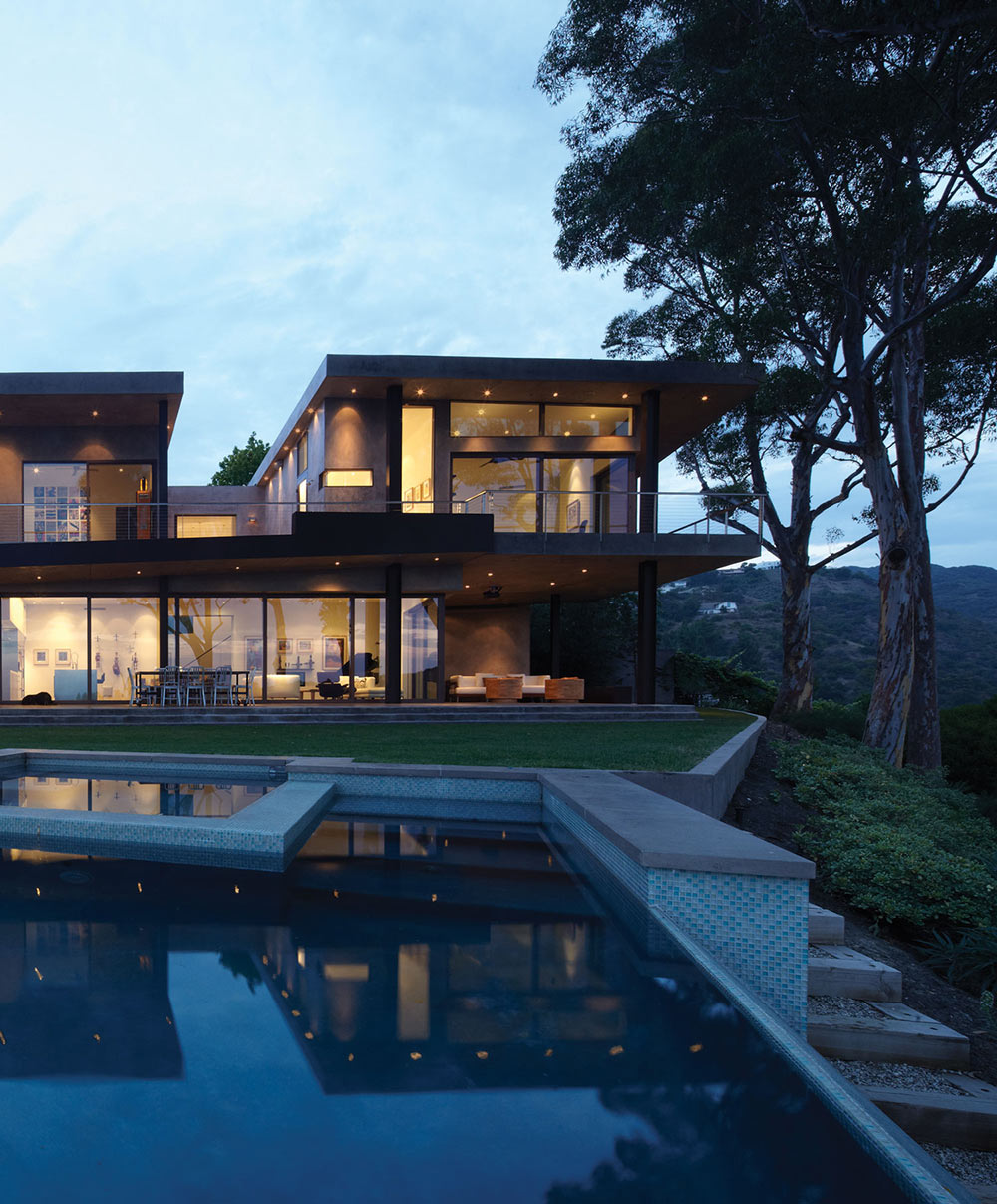 Pool, Garden, Mandeville Canyon Residence in Los Angeles by Griffin Enright Architects