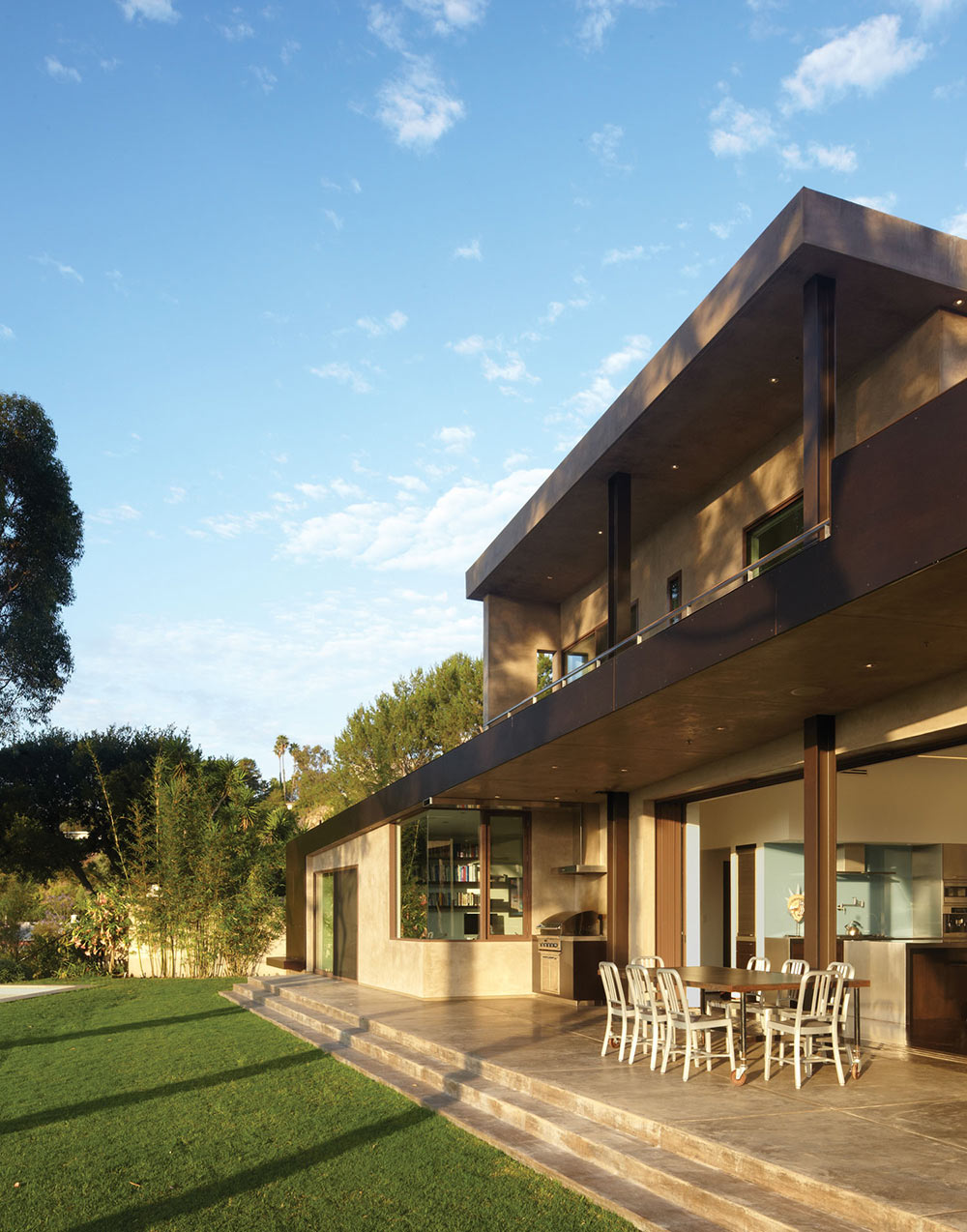 Terrace, Outdoor Dining, Mandeville Canyon Residence in Los Angeles by Griffin Enright Architects