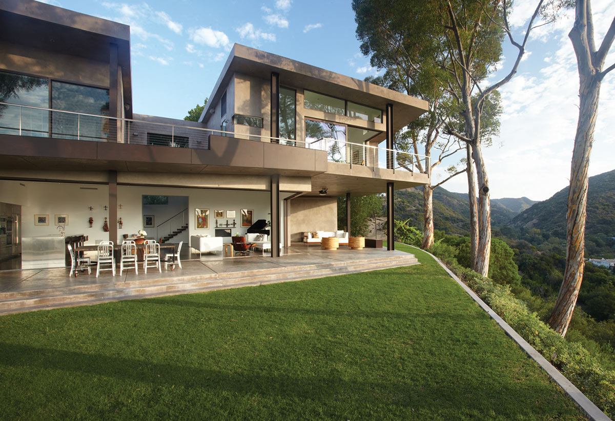 Terrace, Views, Mandeville Canyon Residence in Los Angeles by Griffin Enright Architects